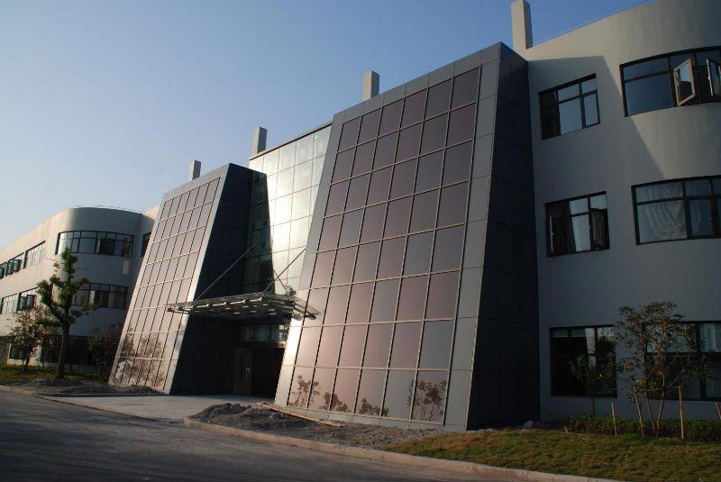 Интегрированные в здания аморфные модули
