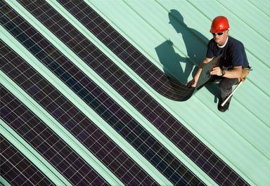 Установка тонкопленочных солнечных батарей на крыше