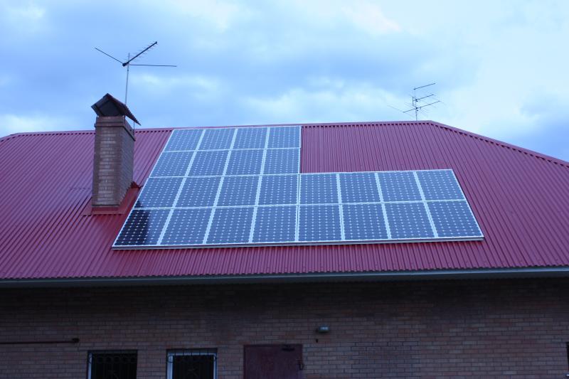 Солнечная батарея 4 кВт на крыше дома