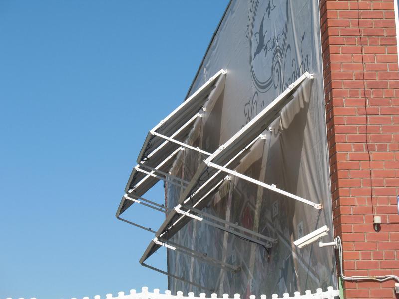 Солнечная батарея 3 кВт на стене офисного здания