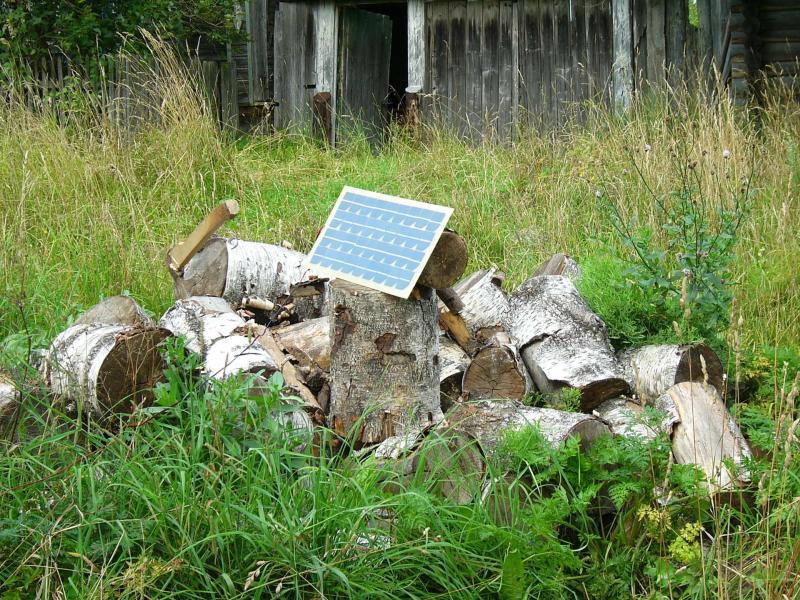 Солнечная батарея в деревне